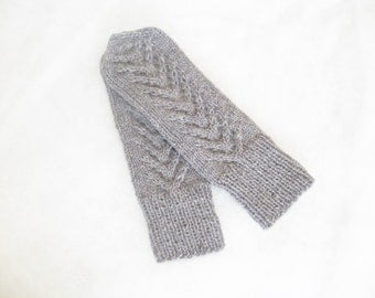Knitted fashion gloves. Grey knitted gloves. Grey winter mittens. Knit fashion gloves. Winter ladies gloves. Organic wool gloves