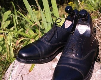 SALE Near NEW DACK'S toe cap black Leather Balmoral shoes,  Vintage Men Us size 7.5  Made in Canada, Mens Business Shoes