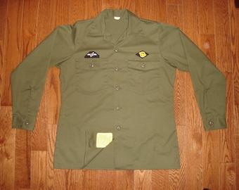 MEN'S Medium-Short (15.5 X 31) Charlie Army Shirt.  Always in Philly green military shirt