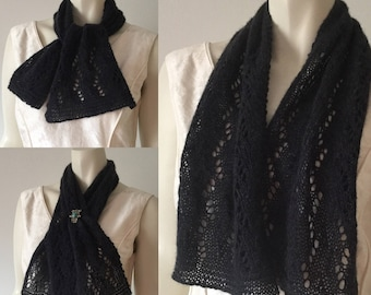 QIVIUT (musk ox) and silk scarf, hand knitted in a beautiful lace pattern