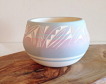 Vintage Pretty Pastel Southwest Native American Pottery Pot