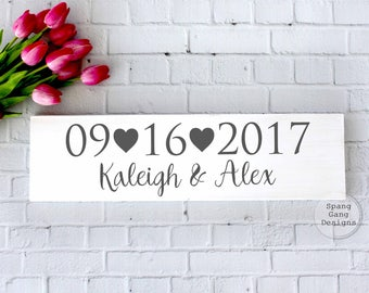 Wedding Date Sign//Bridal Shower Gift//Save the Date Photo Prop//Wedding Name Sign//Wedding Gift//Rustic Wedding Decor//Engagement Gift