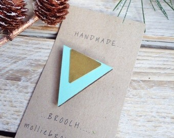Wood and Brass Triangle Brooch / Triangle Brooch / Geometric brooch / Triangle jewellery / Geometric Jewellery / Laser cut Jewellery / gift
