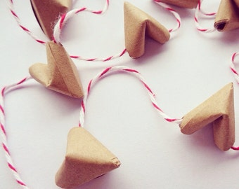 Mini candy cane origami heart garland - Free worldwide shipping - Christmas decor