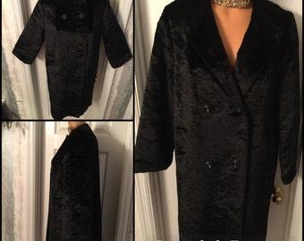 Vintage 1940's-50's Black Chenille Coat / Ladies Black Crushed Velvet Opera Coat / Ladies Heavy Winter Coat Size Small (4/5/6) USA