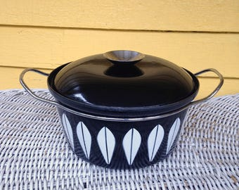 "Fabulous Rare Cathrineholm Black and White Lotus 8.5"" Dutch Oven Metal Enamelware Covered Pot 2.5 quart Mid Century Modern"