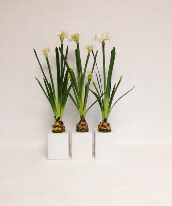 Spring Daffodil Flower Arrangement / Budding Blooms / Faux / Artificial Arrangement