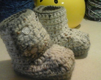 Handmade crocheted baby boots, choose your colors and size, booties, slippers, boots for boys and girls, choose bootie style, baby booties