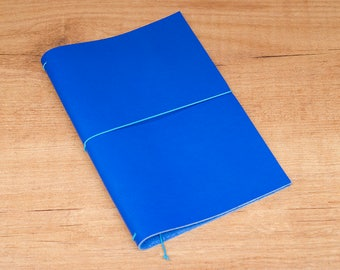 Handmade Leather Traveler's Notebook, Midori style in Regular/Wide size - Royal Blue