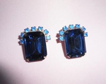 Blue Earrings, Rhinestone Earrings,Vintage Blue Earrings, Costume Jewelry, Glamorous Earrings, Blue Jewelry, 1980s, Blue Rhinestone Earrings