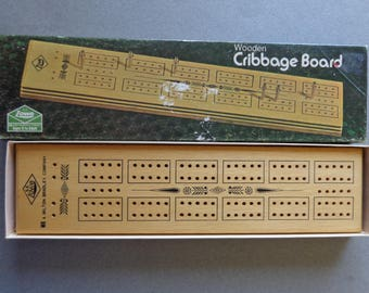 Vintage Lowe Cribbage Board in Box Wood with metal pegs 2 Players Track 1974