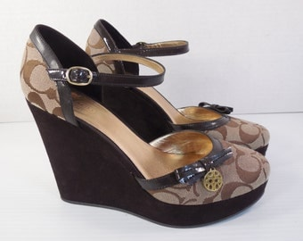 Vintage Coach Platform Wedge Mary Jane High Heel Pumps Shoes Size 7 M Brown Patent Leather Brown Suede Platform Wedge 4 Inch High Heel