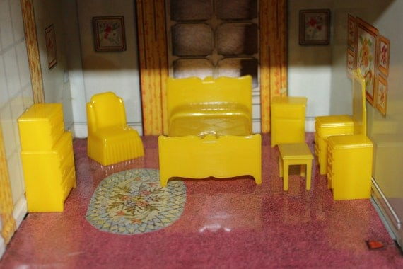 Marx traditional dollhouse hard plastic furniture bedroom 6 Plastic bedroom furniture