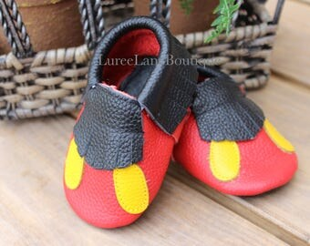Mickey Mouse baby moccasins/Mickey baby shoes/Mickey Mouse baby shoes/Baby girl moccasins/ Baby girl shoes/ Leather moccasins/ Baby shoes