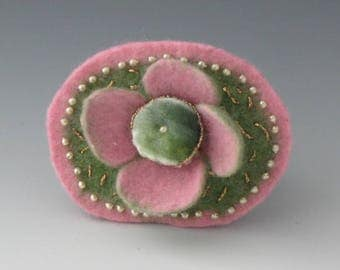 Felted Flower Brooch, Flower Pin, Brooch, Felted Pin, Flower Brooch, Pink Flower Pin