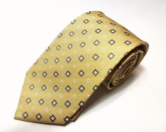 Silk Tie in 3.75 inch with Yellow Black White Light Blue Dot
