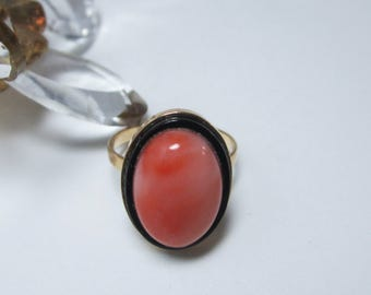 Vintage 14k gold and coral onyx ring