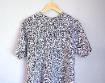 Vintage Black + White Geometric Print Short Sleeve Blouse