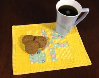 Quilted Mug Rug, Yellow & Green Snack Mat, Mini Placemat, Luncheon Mat, Handmade Beverage Mat, Mini Quilt, Quilted Mugrug, Mothers Day Gift