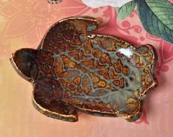 Turtle spoon rest. Turtle ring holder. Sea turtle ring holder. Turtle chopstick holder. Ceramic Turtle  tiny dish. Turtle dish.