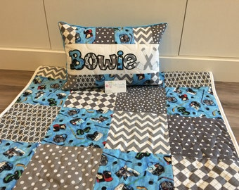 Hockey baby quilt and pillow set, can customize colours!