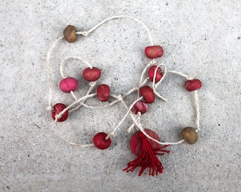 Clay hanging decor red and gold