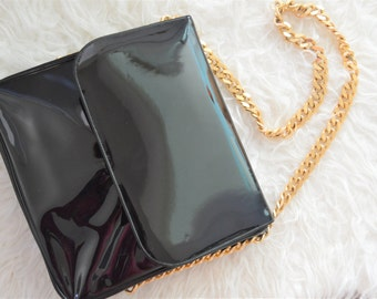 Vintage patient leather handbag with gold chain strap