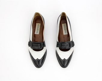Vintage shoes // Fratelli Rossetti black and white spectator loafer flats