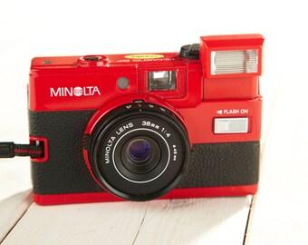 Vintage Camera Minolta Hi-Matic GF (Red). Film camera Minolta. Viewfinder camera. Working Film Camera.