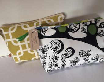 Retro print make up purse