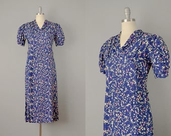 30s Dress // 1930s Navy Floral Print Pullover Dress w/ Puff Sleeves // Small