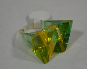 Vintage Lucite Ring in Clear- Apple Green- and Lemon Yellow