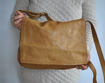 Vintage PICARD MESSENGER LEATHER bag .....(481)