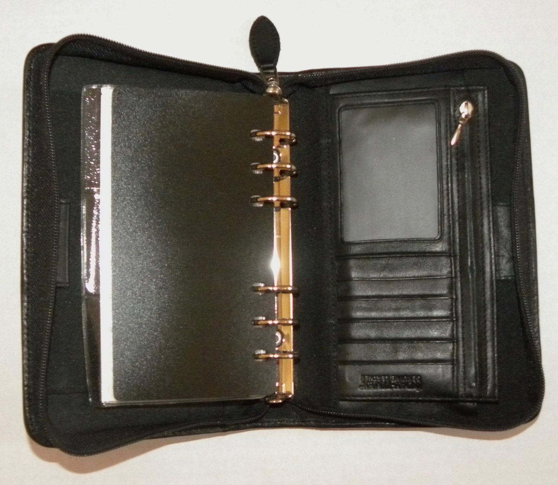 Vintage DAY-TIMER Leather Binder / Zippered / 6 Ring / Black