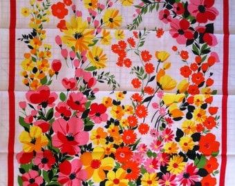 Vintage NOS Floral FLOWER POWER Tablecloth