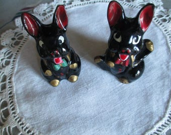Collectible black Bunny/Rabbit Salt & Pepper shakers  Red Clay  Japan