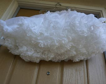 Vintage 80s white full petticoat large girls youth childrens square dance