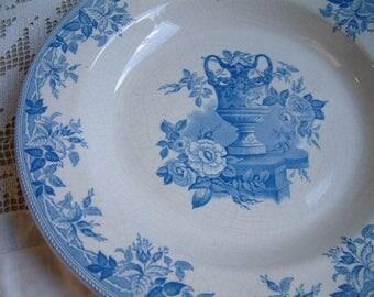 Antique english blue transferware large serving dish. Blue transferware large shallow bowl. Bates, Walker Co. Gustavian decor. Nordic decor
