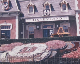 Original 1960  Disneyland Anaheim Entrance Color Snapshot Photo - Free Shipping