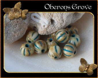 10 pumpkin beads 4mm Ivory Turquoise