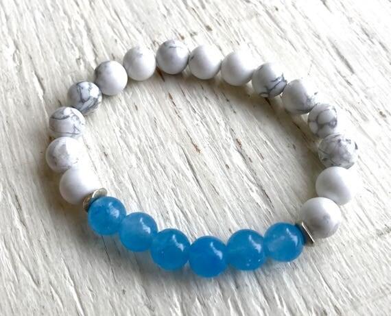 Crown Chakra Bracelet, Howlite,  Blue Chalcedony Stretch Mala Bracelet, Gemstone Healing Beads, Third Eye Chakra Bracelet, Yoga Jewelry