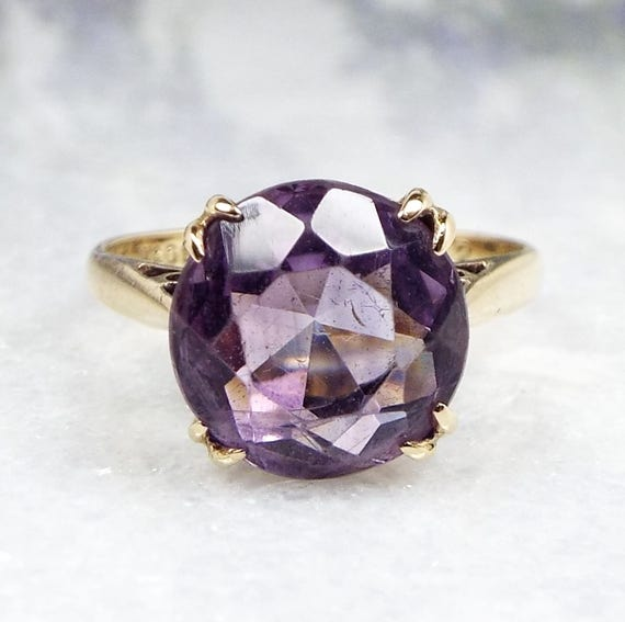 Vintage 1965 9ct Yellow Gold Statement Claw Set Purple Amethyst Ring / Size N
