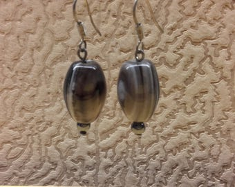 Vintage Handmade Women Earrings Vintage Handmade Women Earrings Black White Stripe Agate Beads Oval Form