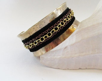 Cuff Bracelet with suede and chain