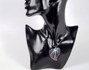 Leaf pendant, filigree pendants, big leaf, silberfarbend, lace jewellery, gift for women.