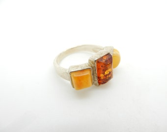 Vintage Sterling Silver/925 Yellow Butterscotch & Baltic Amber 3-Stone Ring Sz 8