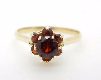 Vintage 18K Yellow Gold 0.50ctw Round Red Garnet Gemstone Flower Cluster Ring; sku # 2117