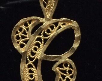 "Vintage 14K Yellow Gold Filagree ""C"" INITIAL Charm Pendant"
