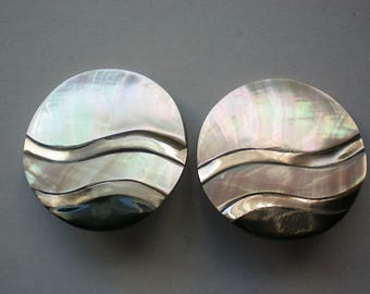 Mother of Pearl Disc Clip Earrings - 4158