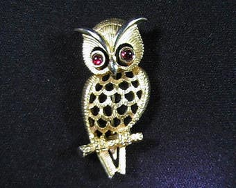Vintage 1970's Avon Owl Brooch, Gold-tone with Ruby Red Eyes, Jewelry Accessory, Collectible Costume Jewelry